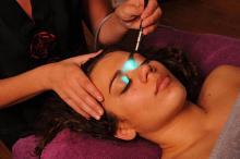 Biorésonance, lumiere, frequence, longeur d'onde, spectre, non invasif, couleurs, soins, thérapie, accompagnement,
